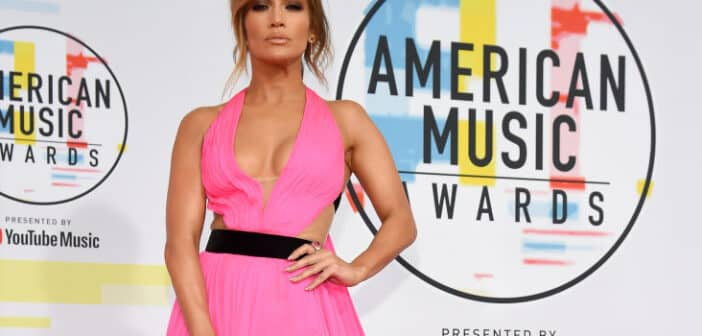 JLO at the American Music Awards Red Carpet